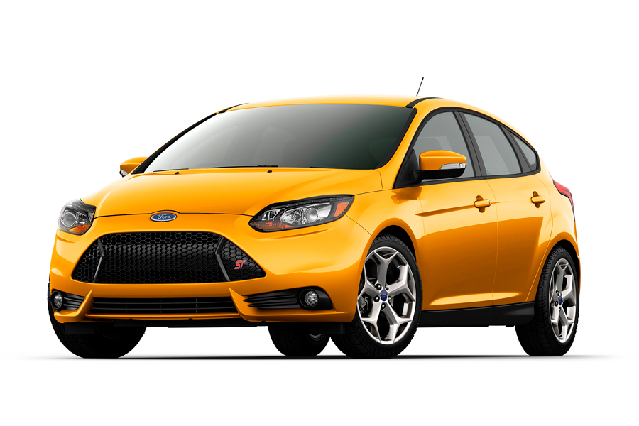 2014-Ford-Focus-ST-three-quarters[1]